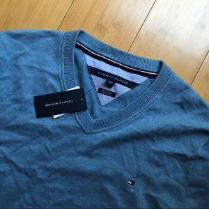 Other - Tommy Hilfiger Sweatshirt